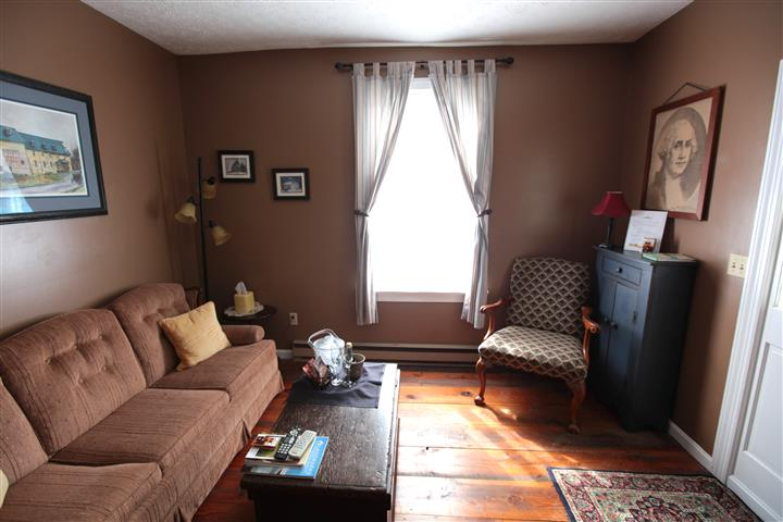 Suite area with couches