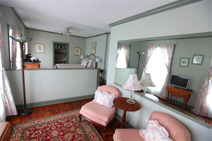 Suite room with sofas