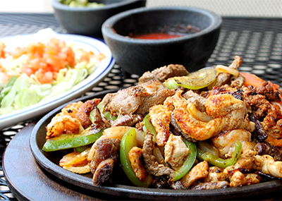 fajita with chicken, onions, and green peppers