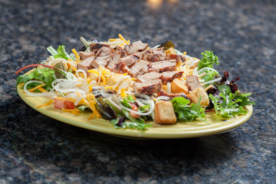 Grilled steak salad with cheese