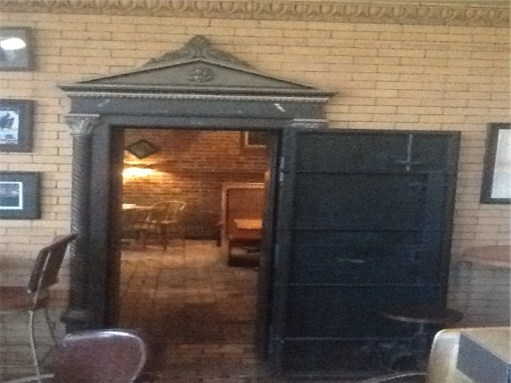 Big decorative door to the inside of the establishment