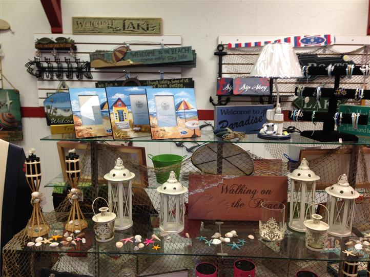 lamps and pictures and other items for sale