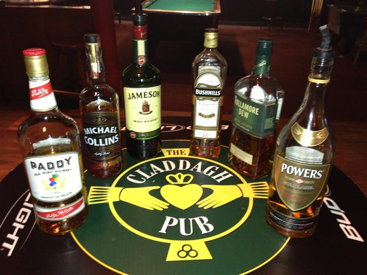 Claddagh Pub table with alcoholic beverages