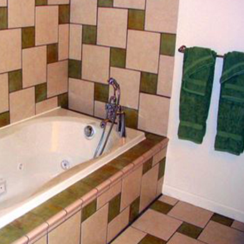 ---- Jacuzzi Suite resized (large)