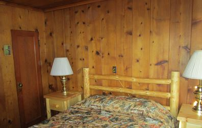 ---- Vintage cabin double bed (large)