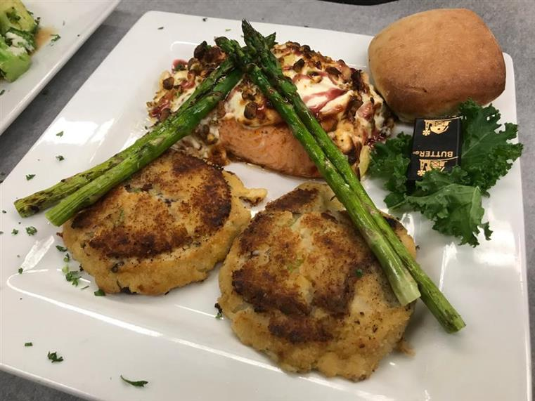 asparagus and crab cakes