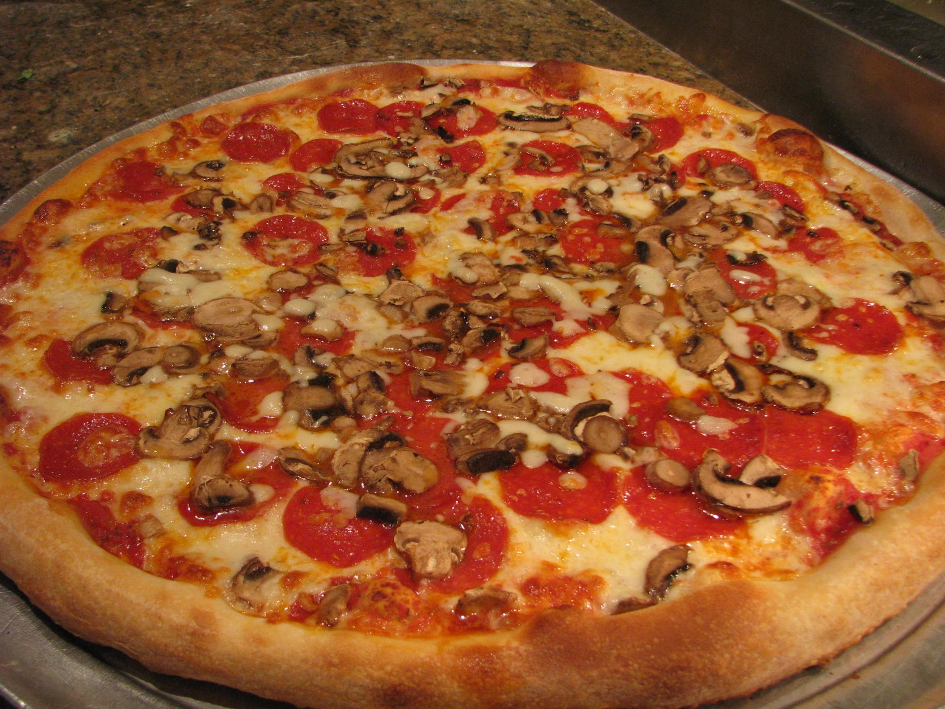 mushroom and pepperoni pizza