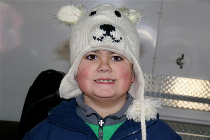 Child with Polar bear hat