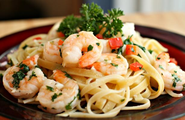shrimp scampi over fettuccine