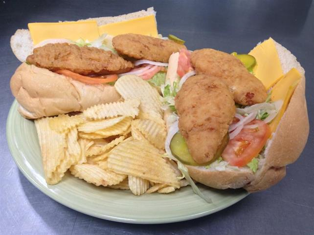 chicken tenders with chips