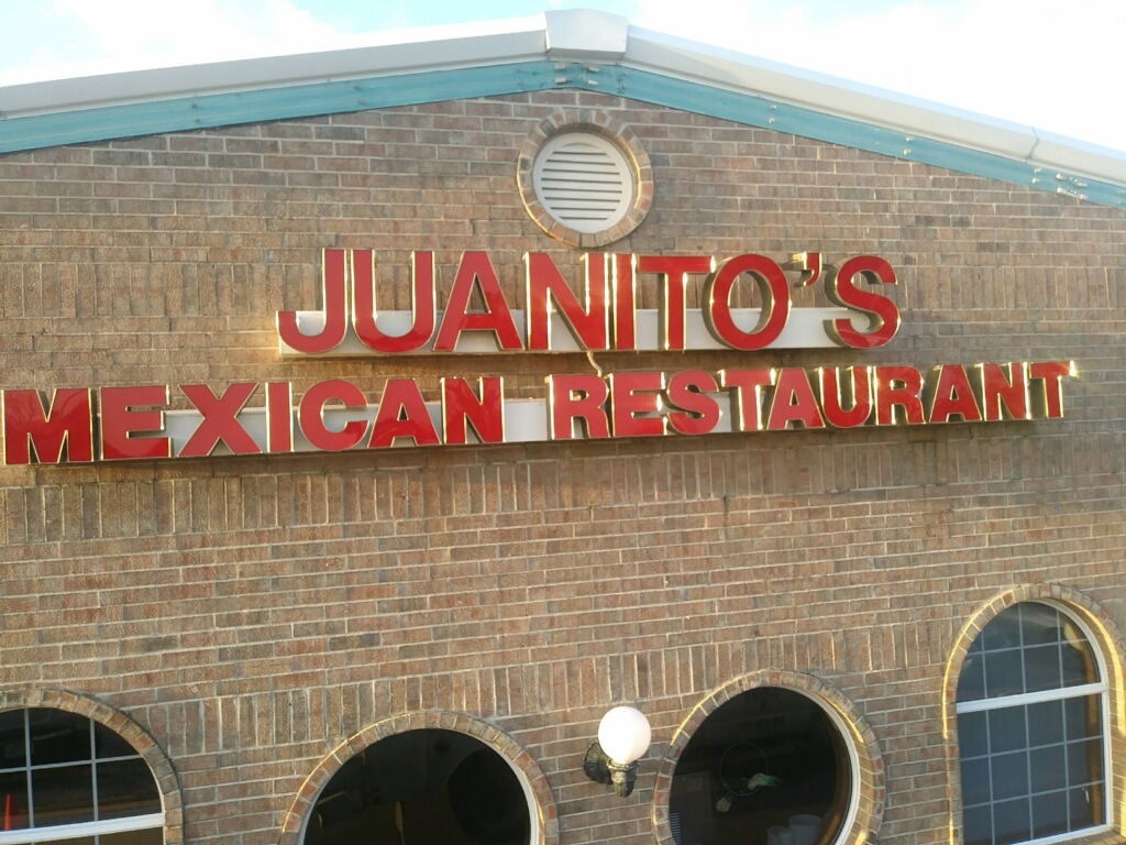 photo of juanitos mexican restaurant sign
