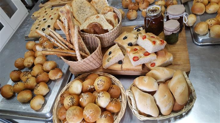 different breads in bowls