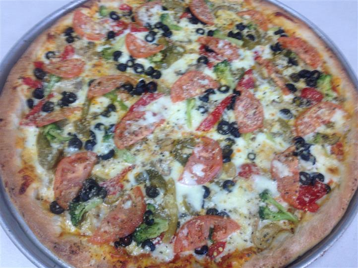 cheese pizza with vegetables