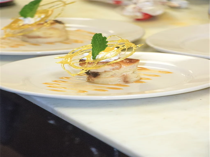 Scallop with decorative topping