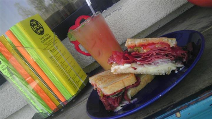 Sandwich with drink