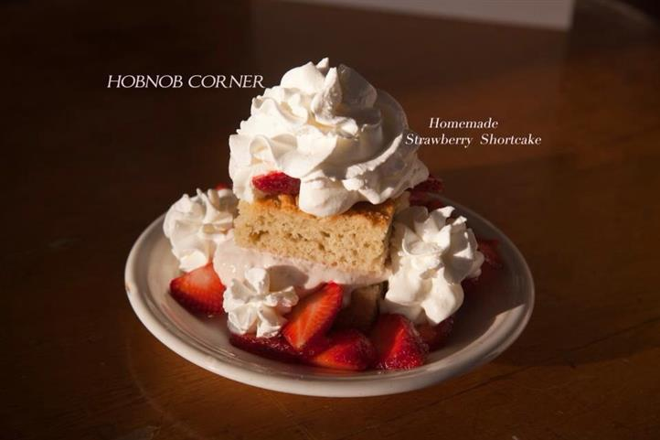 strawberry shortcake with fresh strawberries and whipped cream