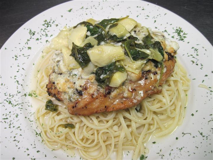 Chicken with sauce of pasta