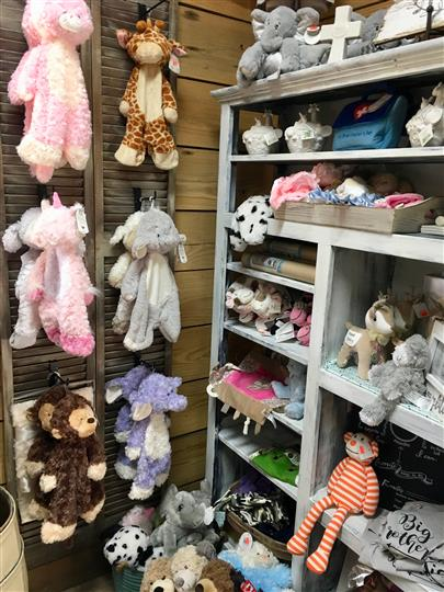 Gift shop with Animal plush toys and other plush toys