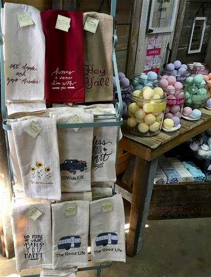 Gift shop with Towels and bath bombs