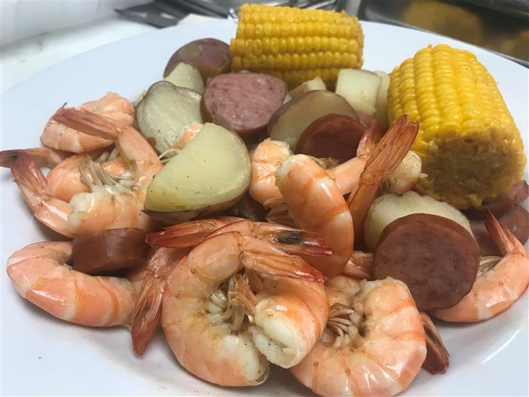 cooked shrimp with roasted vegetables
