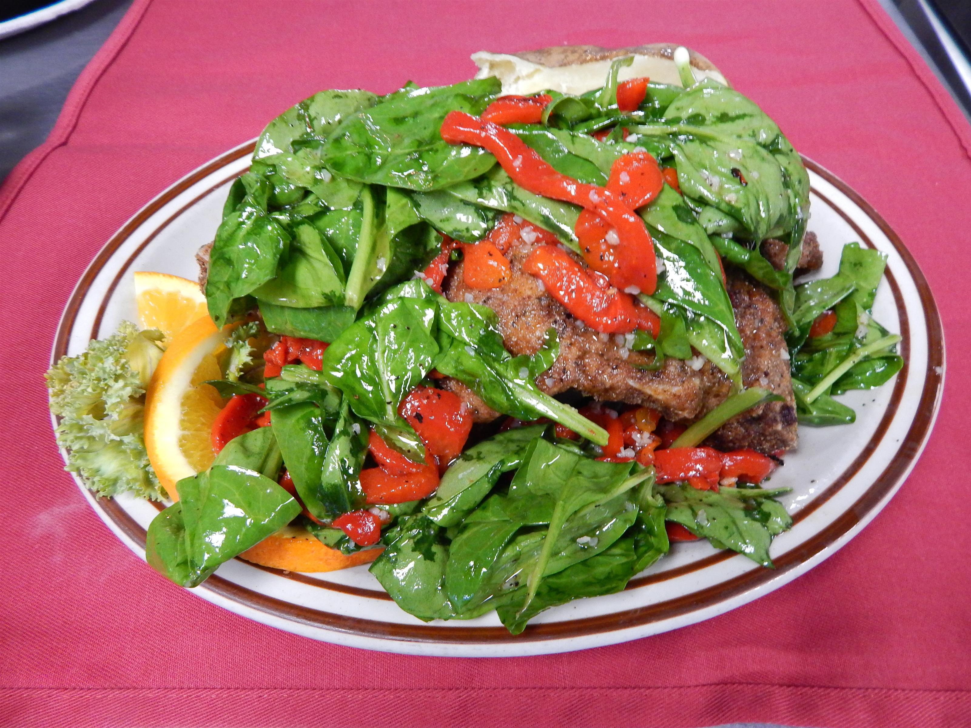 spinach salad with roasted peppers