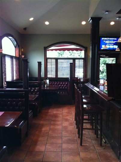 Dining area with bar to the side