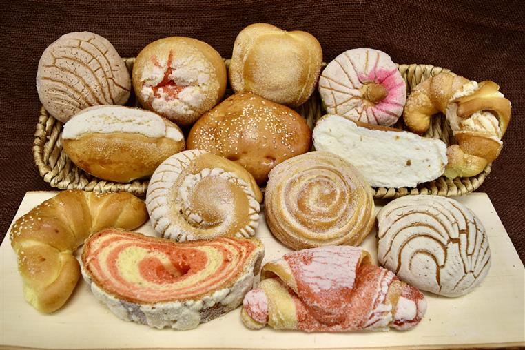 assorted Migajon breads