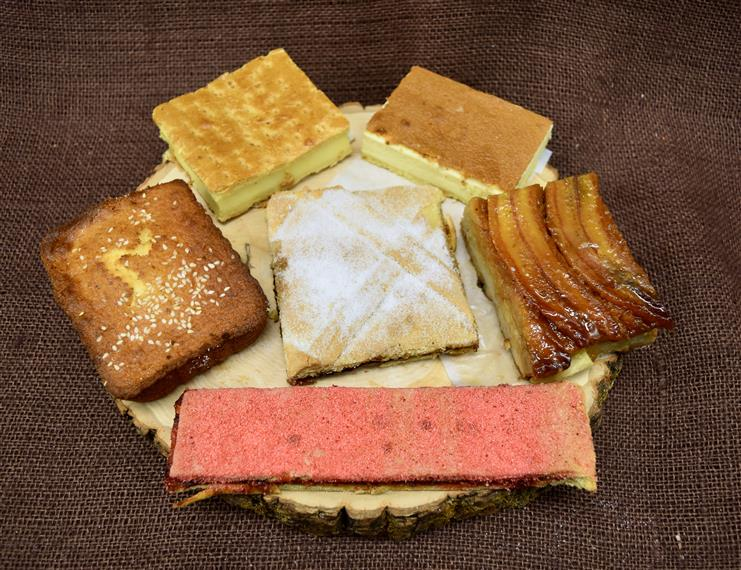assorted budding breads