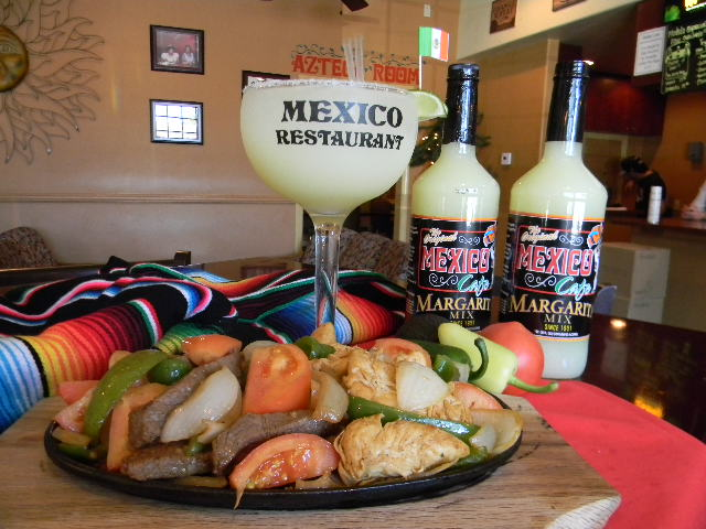 Fajita Platter with Large Mexico Cafe Margarita