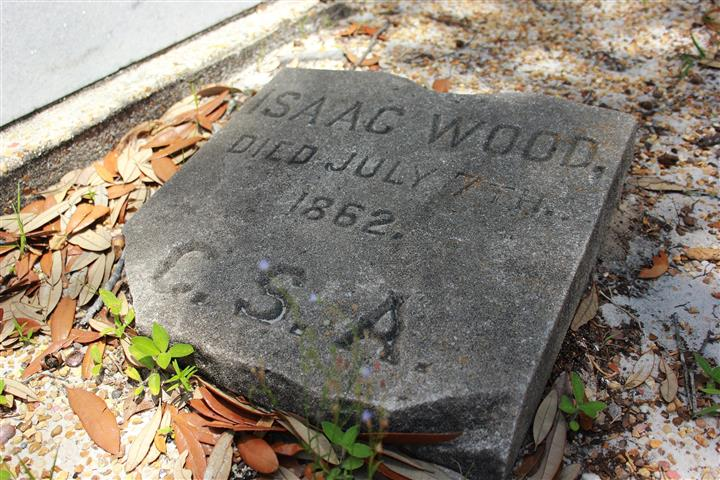 tombstone reads isaac wood died july 7th 1862 c.s.a