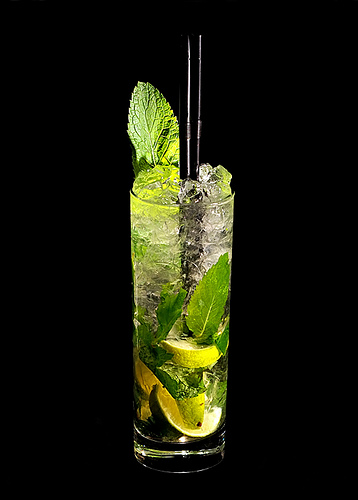 mint mojito drink with mint leaves