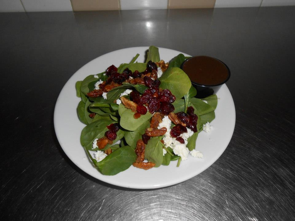 spinach salad with cranberries, walnuts and goat cheese