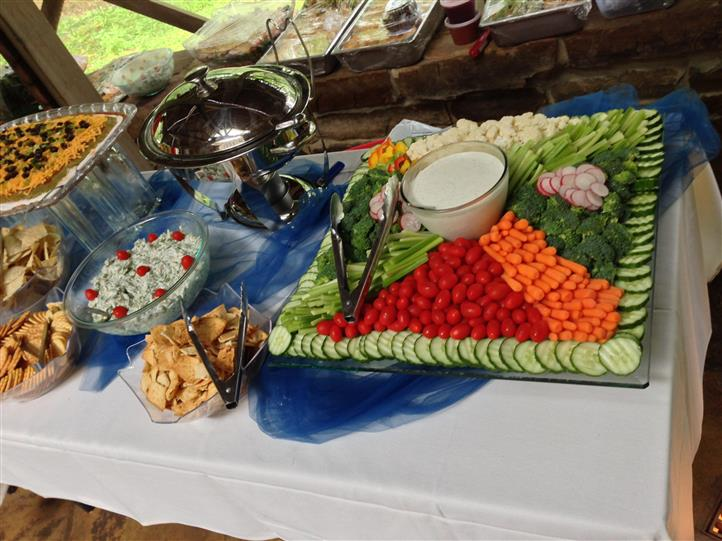 A fresh vegetable tray