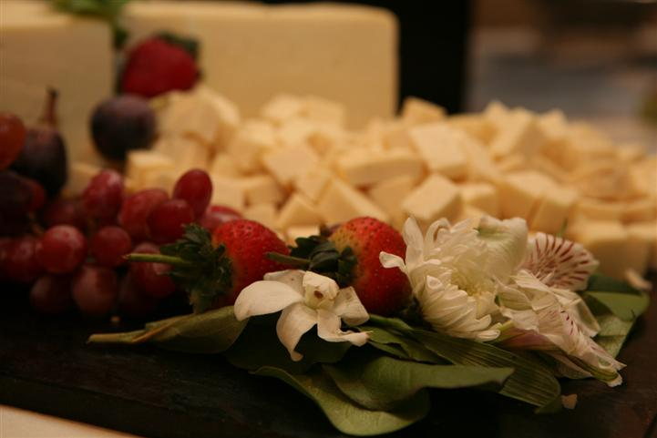 A food and cheese tray