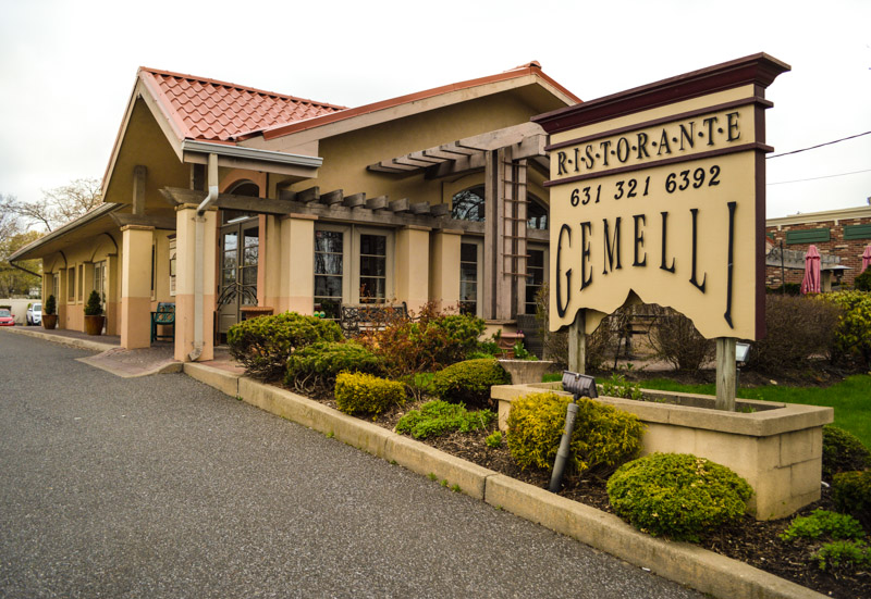 exterior of Gemelli's Ristorante showcasing the main entrance