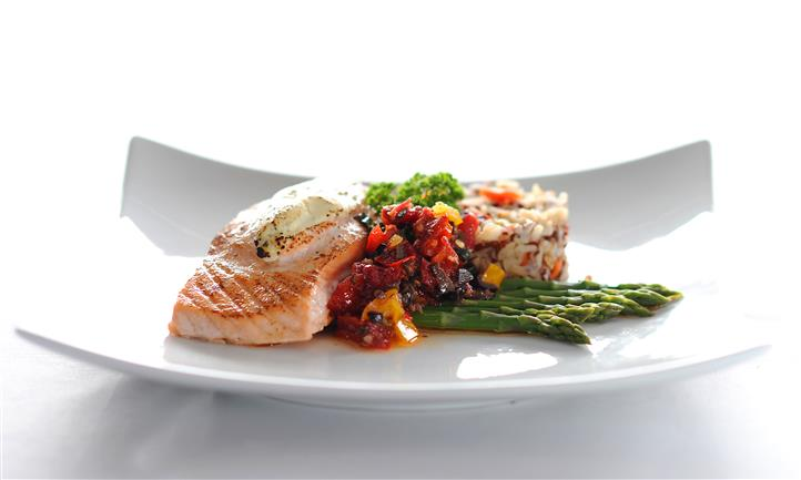 fillet of salmon with vegetables