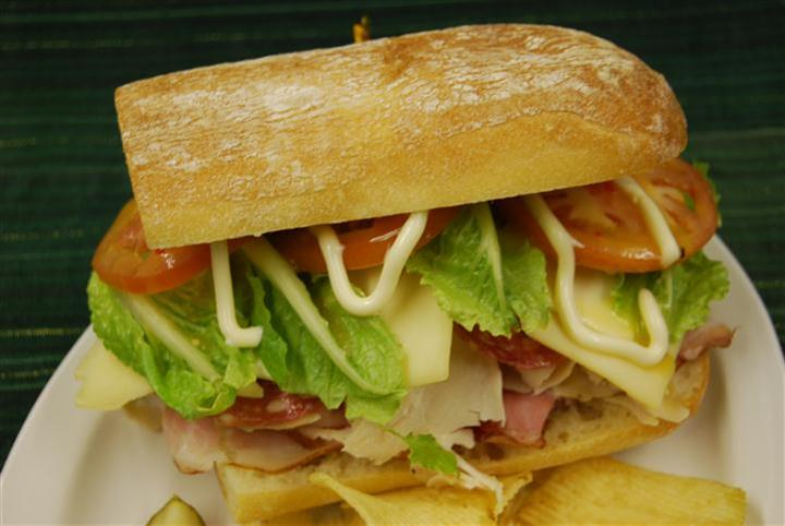 italian sandwich with chips
