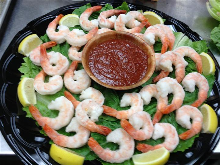 Shrimp platter served with red dipping sauce