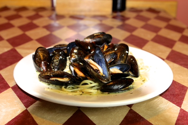 linguni with mussels