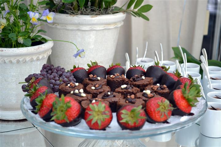 brownies and chocolate covered strawberries