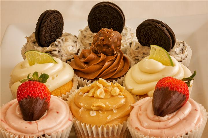 different flavored cupcakes