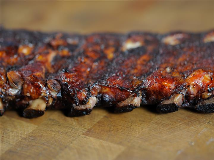 Smoked ribs with seasoning