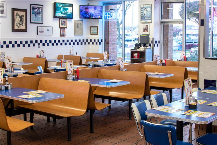 inside bob and edith's diner dining room, empty tables