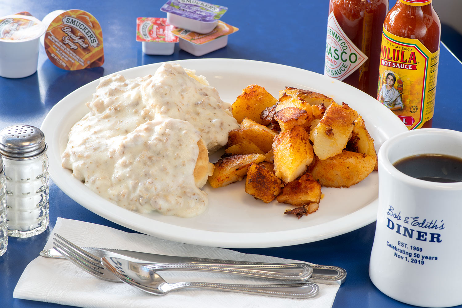 Biscuits & Gravy and hashbrowns