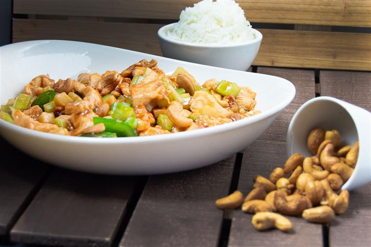 cashew chicken with scallions
