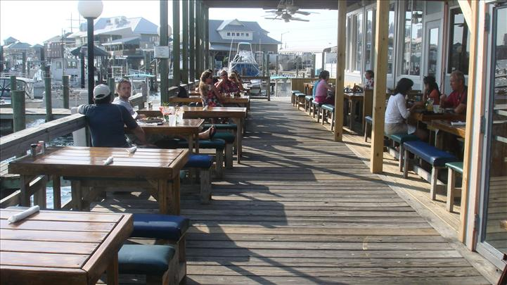 Dockside restaurant and marina photo gallery for Fish market virginia beach