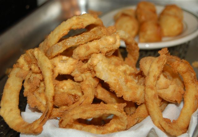 Close up image of fried calamari appetizer