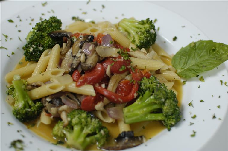 pasta with vegetables and butter sauce