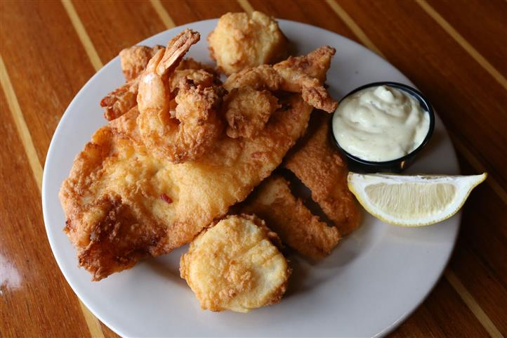 Seafood Platter - Shrimp, scallops & flounder served either broiled or fried