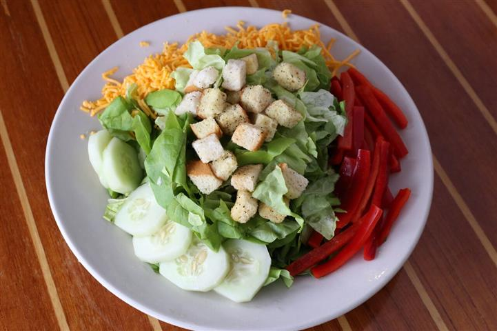 Traditional salad - Hydro bibb lettuce with sharp cheddar, cucumber, red bell pepper & fresh croutons